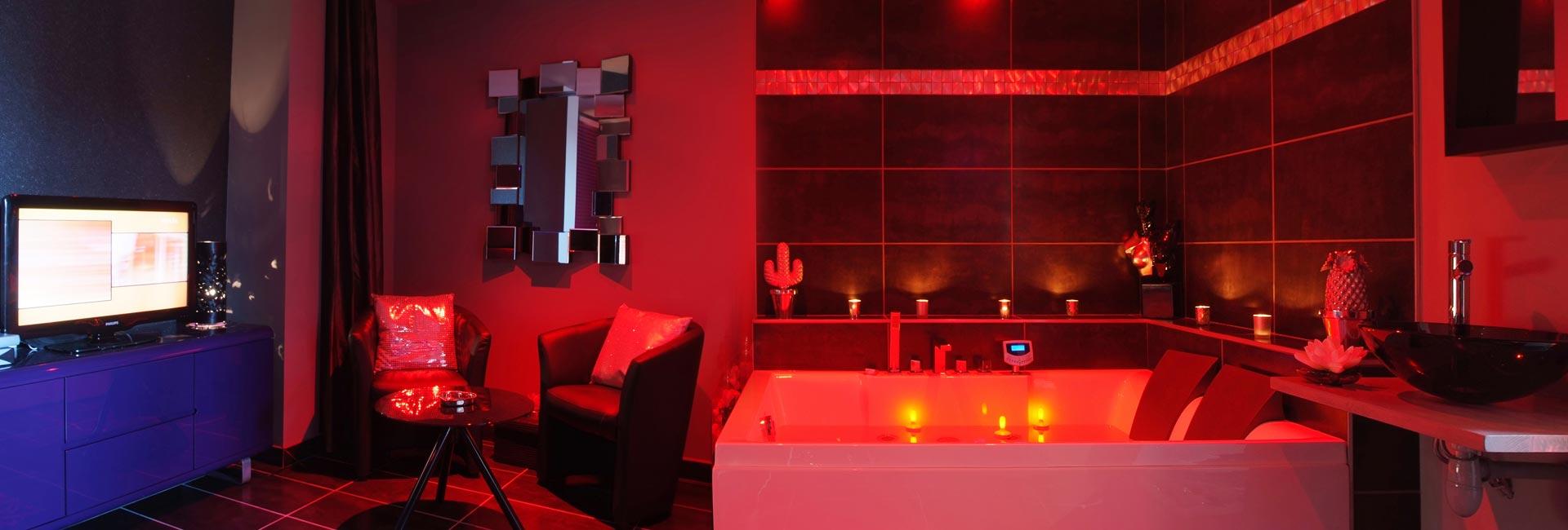 Chambre Avec Jacuzzi Et Spa Privatif Romantique A Lyon Nuit Et Spa