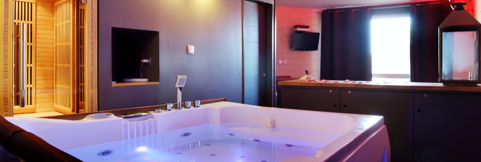 Chambre avec Jacuzzi et Sauna Privatif - Le Perceval Spa Romantique ...